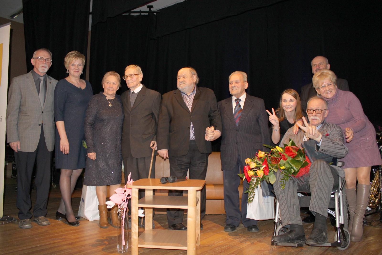 Na zdjęciu m.in. Marek Karewicz i goście uroczystości