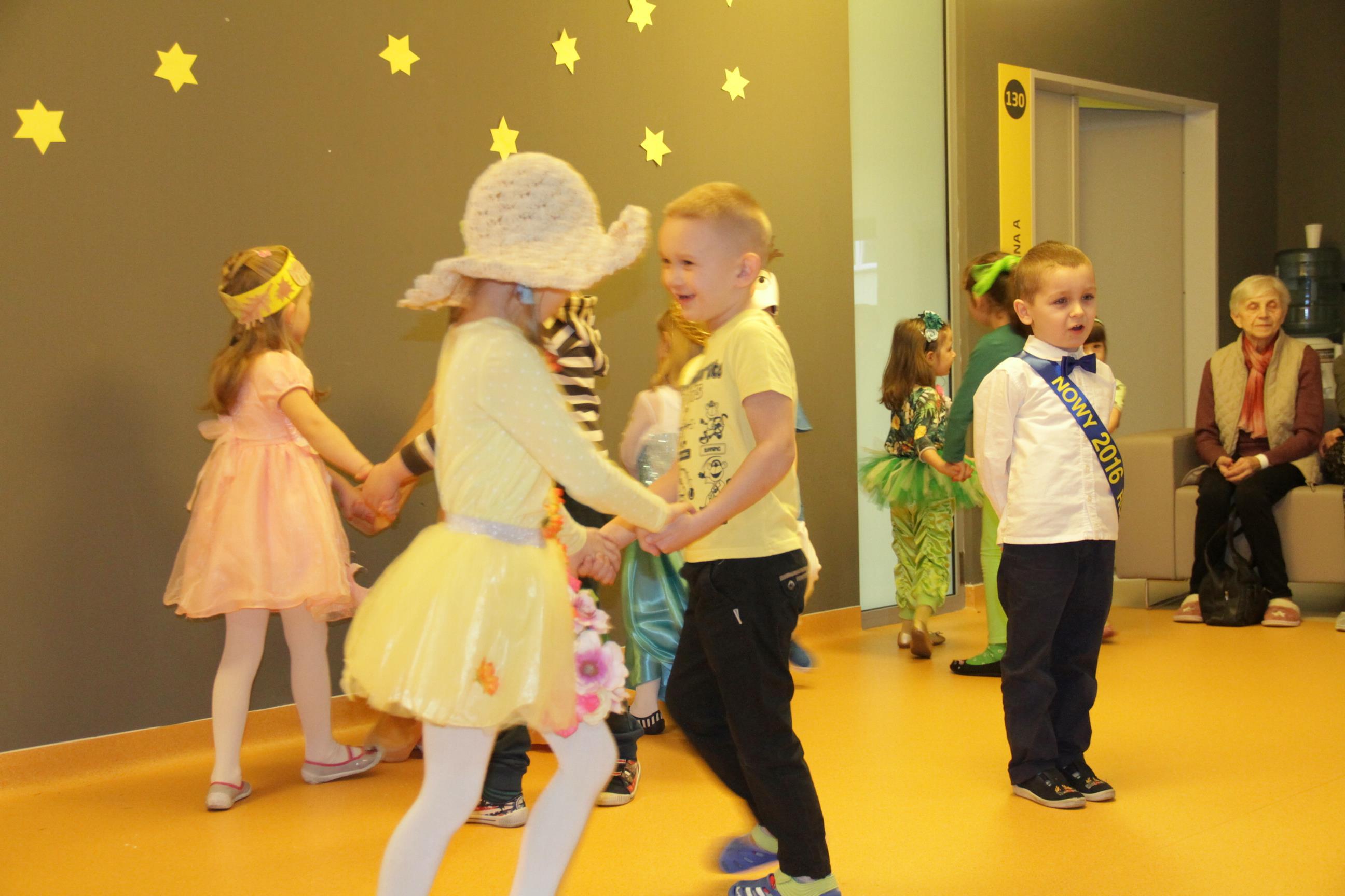 Na zdjęciu dzieci z Przedszkola nr 14 w trakcie występu