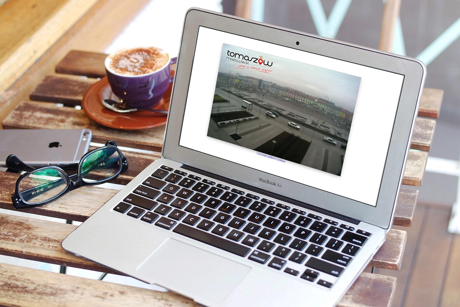 Zjęcie komputera ilustrujące artykuł