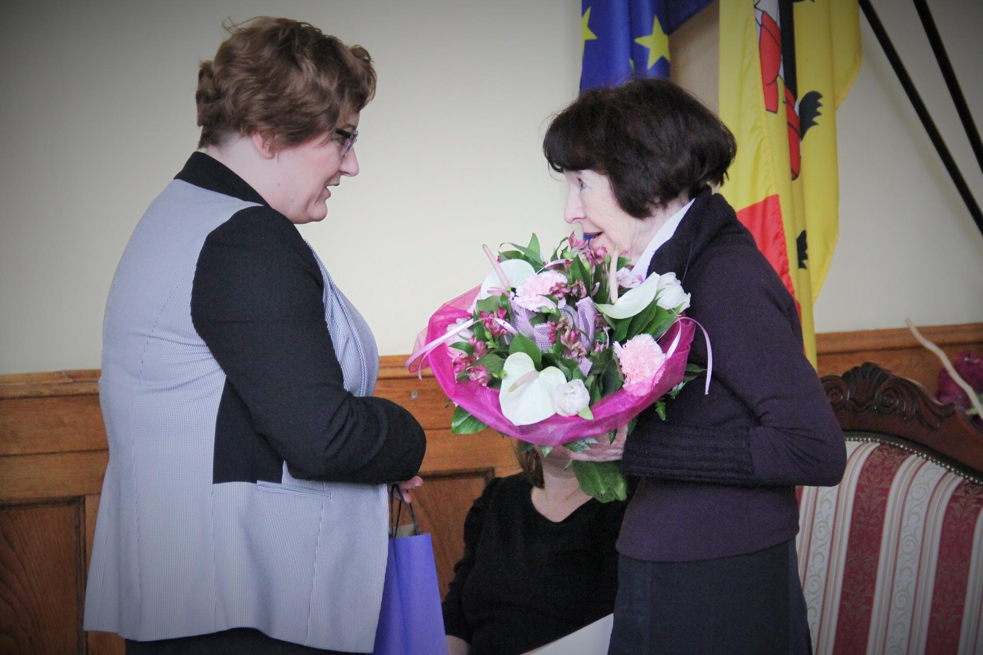 Sekretarz miasta Katarzyna Marchewka i  Zofia Pilecka-Optułowicz