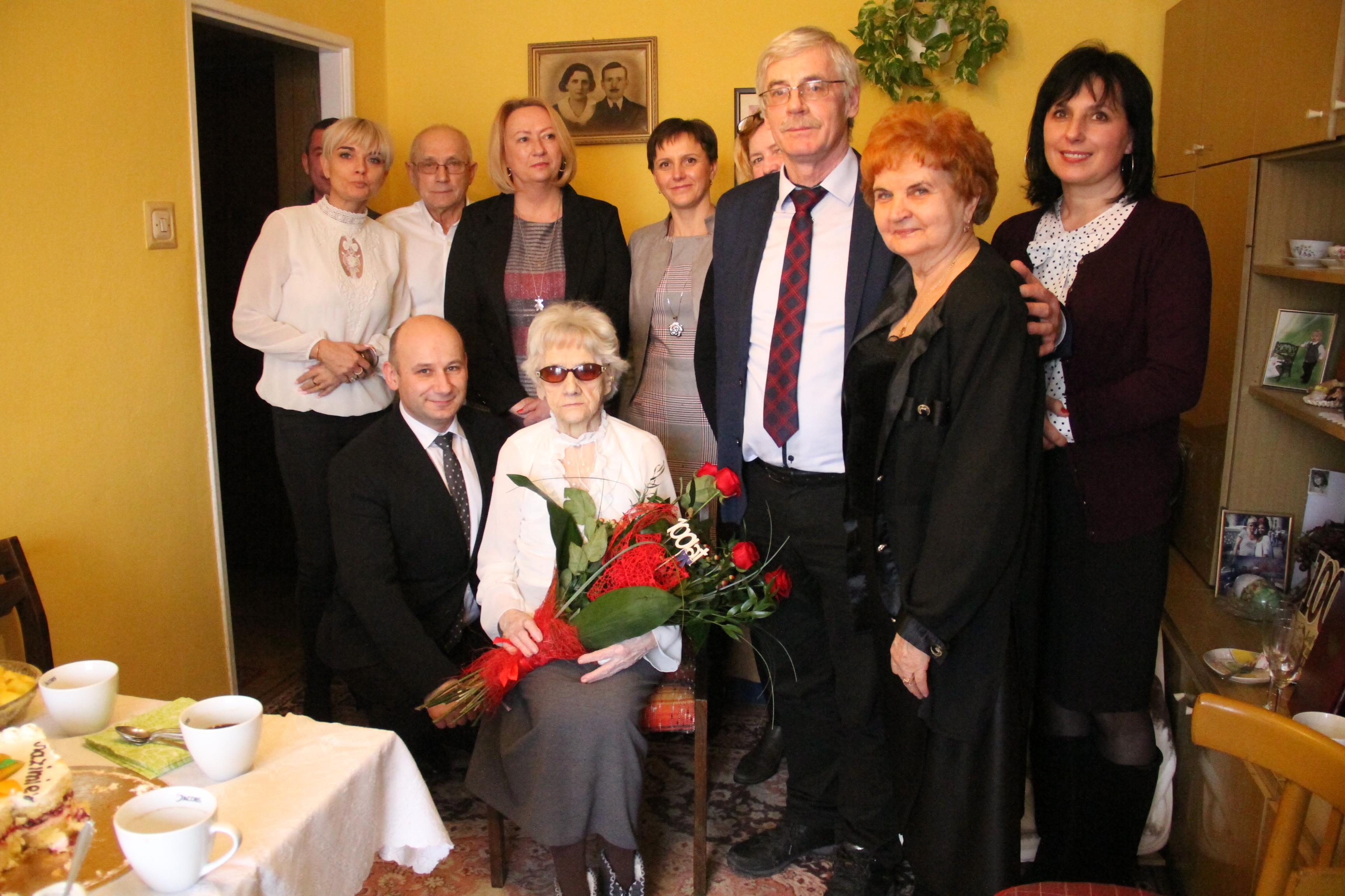 Zdjęcia z urodzin Pani Kazimiery
