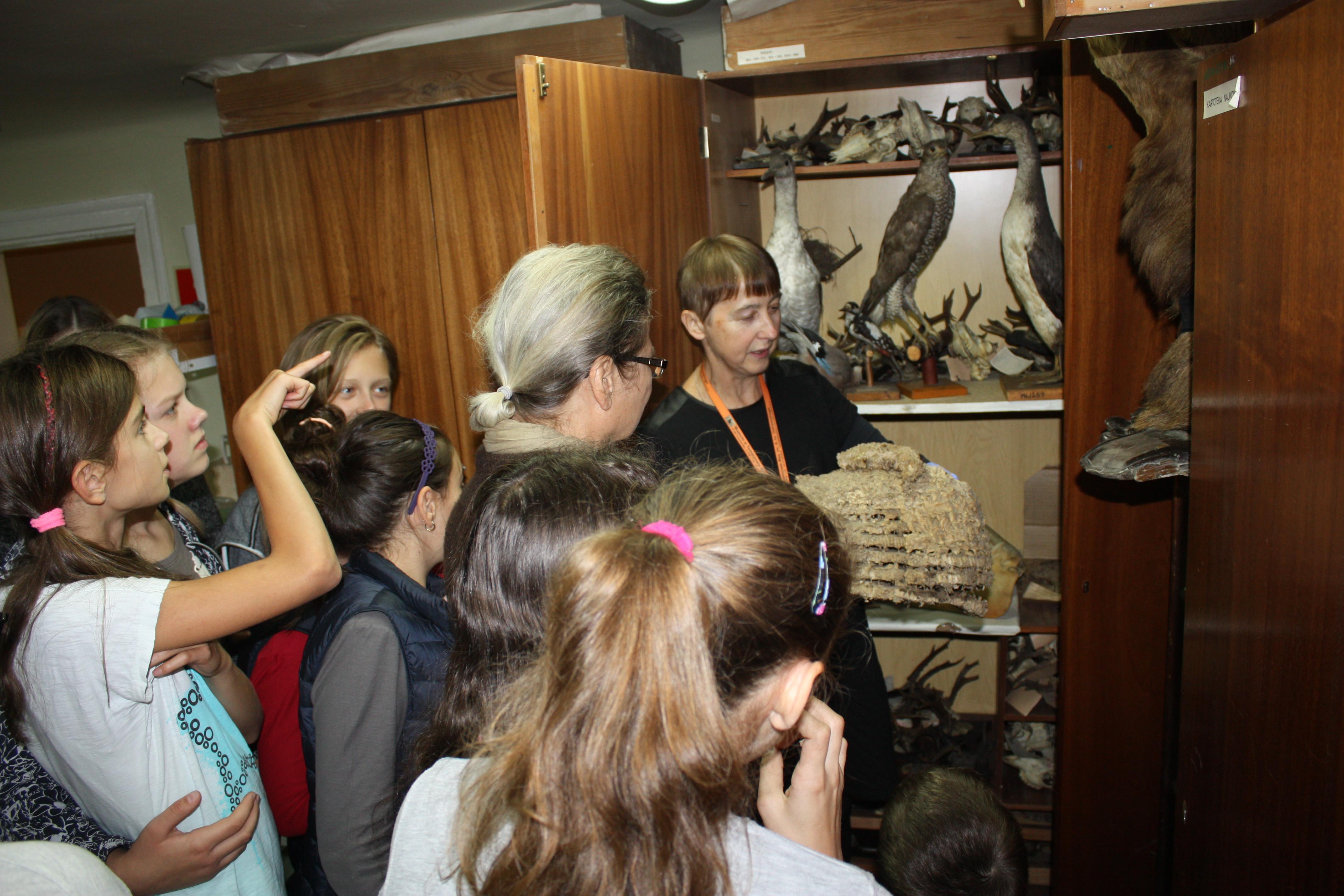 Dzieci w trakcie zajęć w muzeum