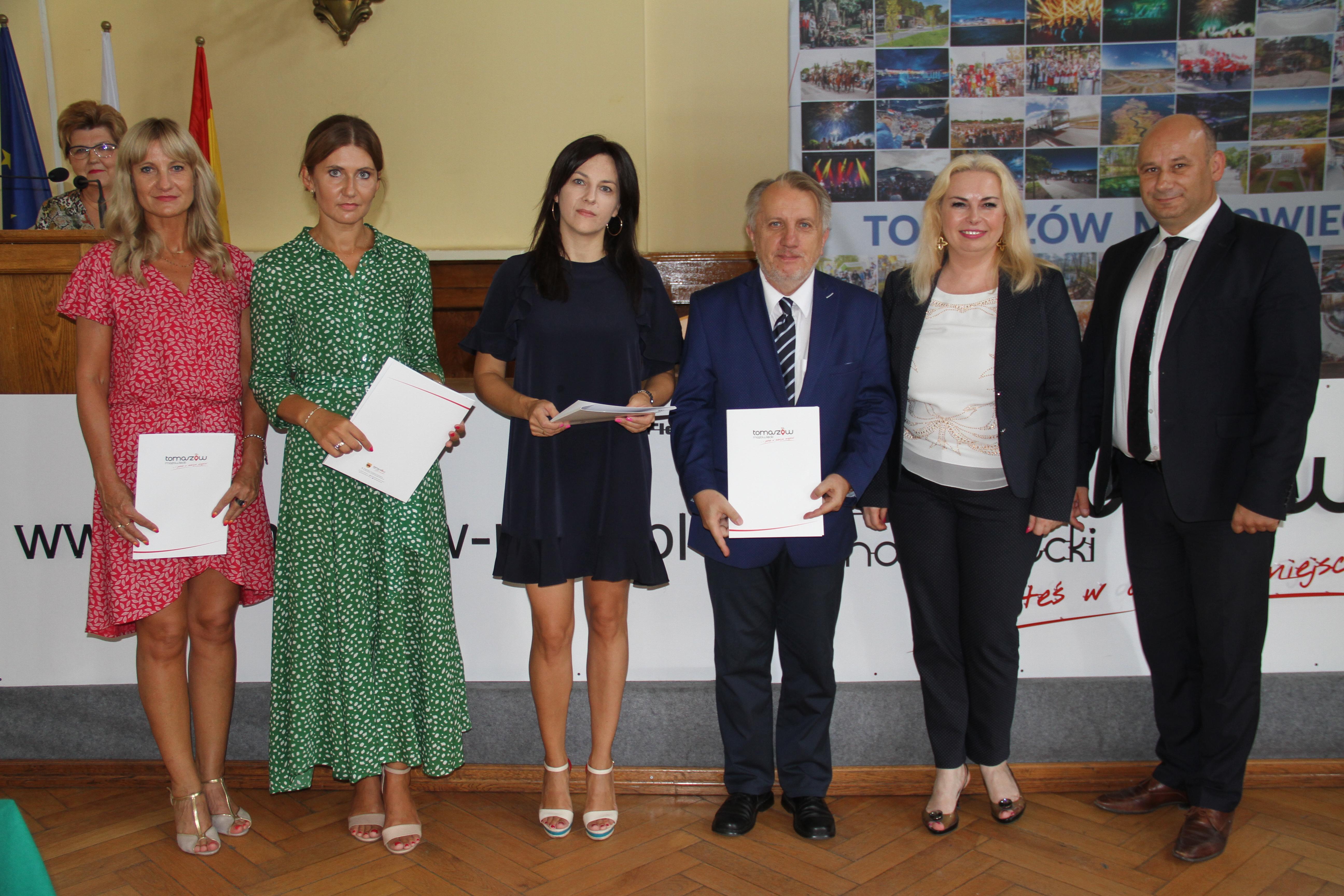 Na zdjęciu nowi dyrektorzy z p. Witko i p. Śliwińską