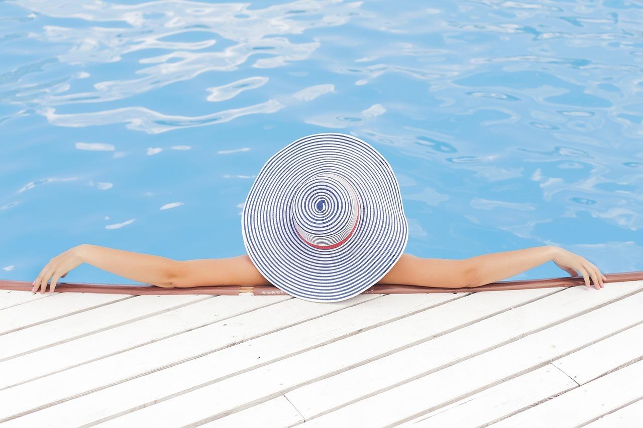 Grafika ilustrująca basen