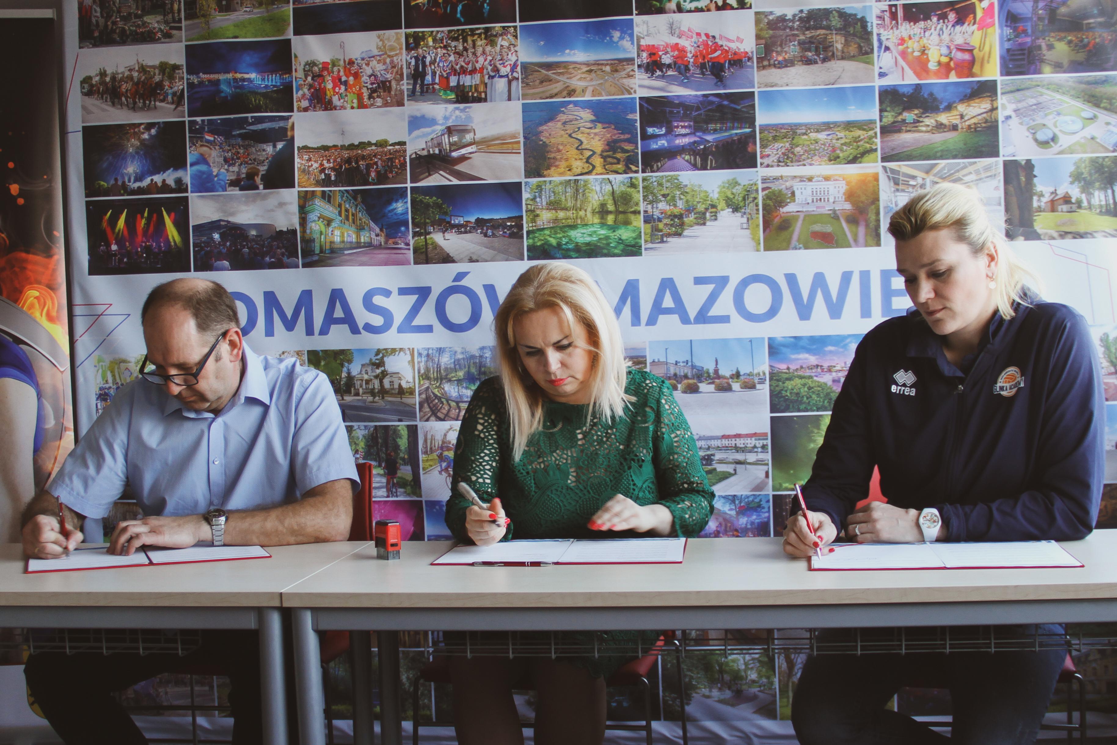 FOTO Tomaszów Mazowiecki gra z fundacją Małgorzaty Glinki 2