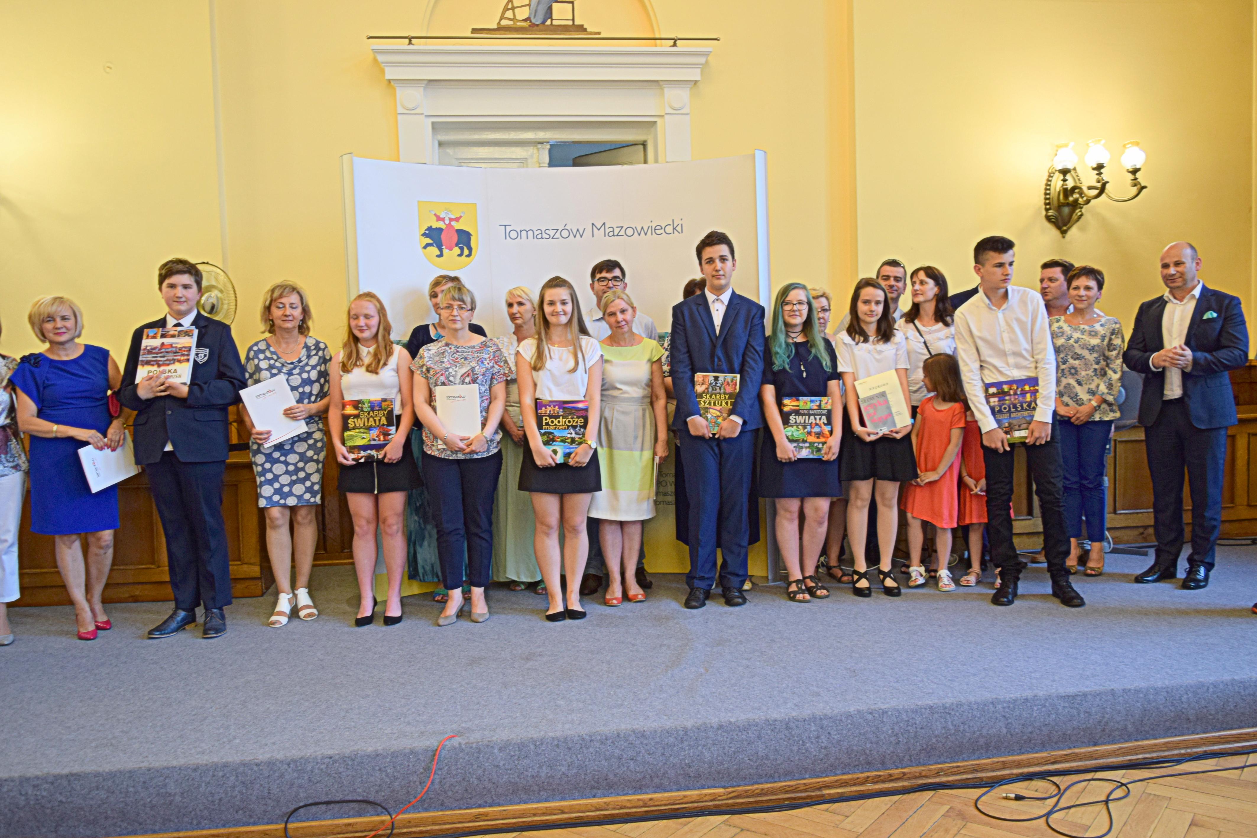 Uczniowie Zostali Nagrodzeni Urzad Miasta W Tomaszowie Mazowieckim