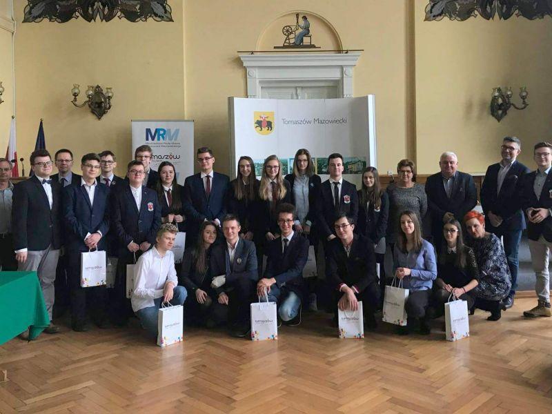 Znamy zwycięzców konkursu wiedzy o samorządzie terytorialnym i regionie