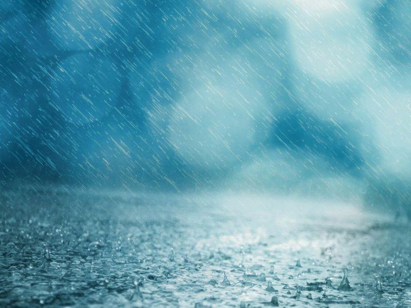 burza z silnym deszczem