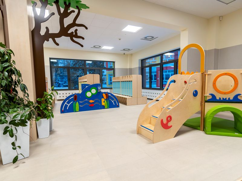 Na zdjęciu wnętrze nowego żłobka przy ul. Niskiej. Widać dekoracje i mini-plac zabaw