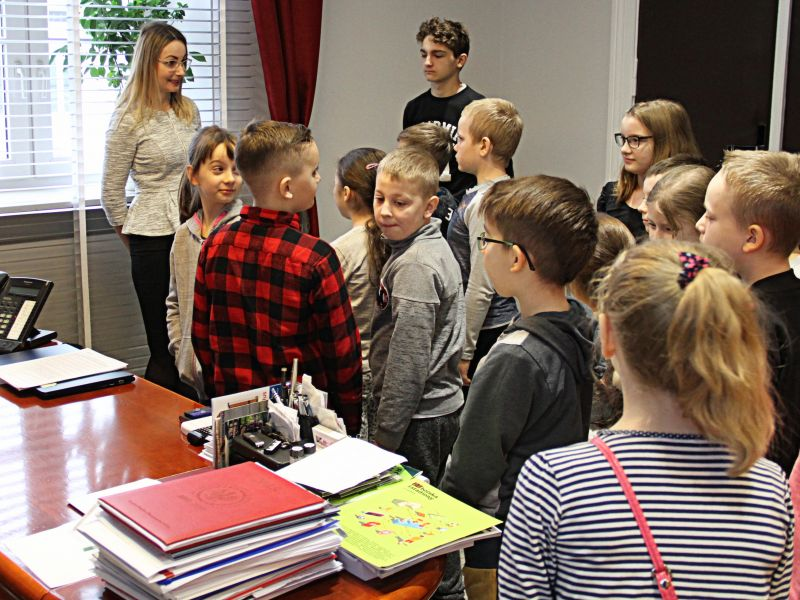 Dzieci i młodzież z wizytą w magistracie