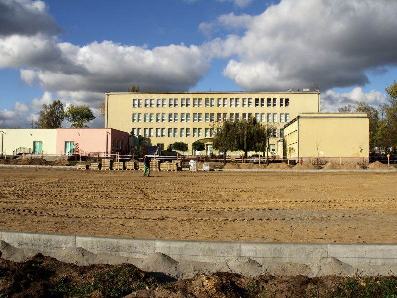 budowa boiska przy SP 13
