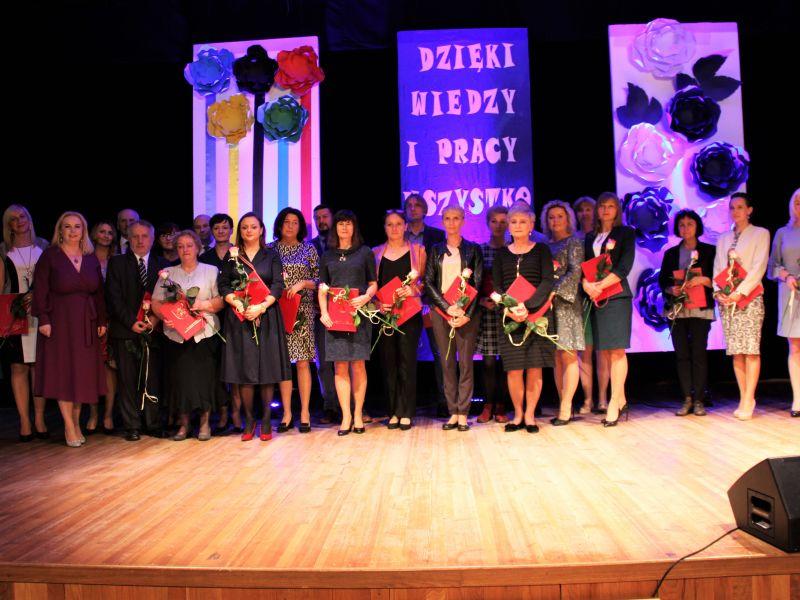 Dzień Edukacji Narodowej: nagrodzeni nauczyciele i… sportowcy