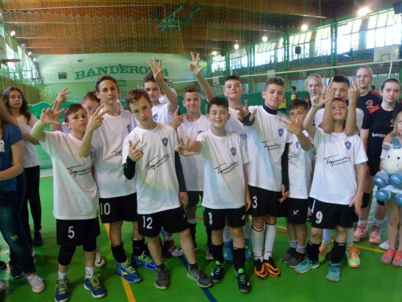 SP 13  z brązowym medalem na szkolnych mistrzostwach Polski w mini siatkówce