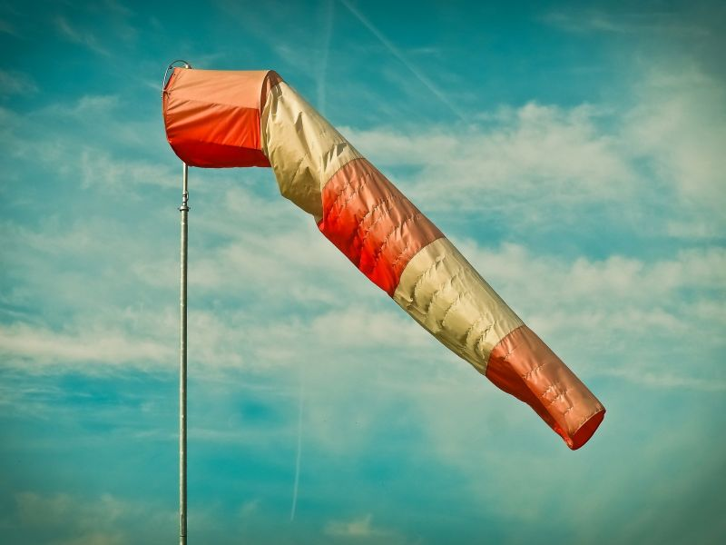 Na zdjęciu kaftan do mierzenia wiatru