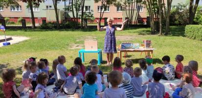 O bezpiecznych wakacjach na zajęciach bibliotecznych