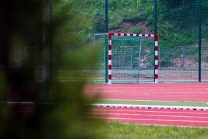 Wielofunkcyjne boisko, oświetlenie i bieżnia dla uczniów Szkoły Podstawowej nr 7 [ZDJĘCIA, FILM]