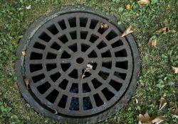 Obowiązek przyłączenia nieruchomości do istniejącej sieci kanalizacyjnej