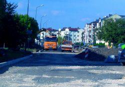 Nowe parkingi, chodniki i ścieżka rowerowa. Trwa przebudowa ulicy Sterlinga
