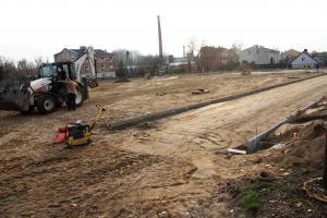 """Trwa budowa boiska przy """"trzynastce"""""""