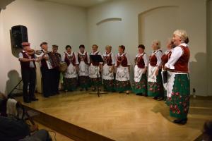 """Spotkanie z folklorem """"Raz na ludowo"""""""