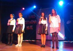 Uczennice SP 14 w Wojewódzkim Konkursie Pieśni i Piosenek Patriotycznych